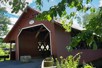 picture of a covered bridge